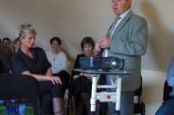 A vendégeket és az érdeklődőket köszönti: Bóta Géza polgármester.